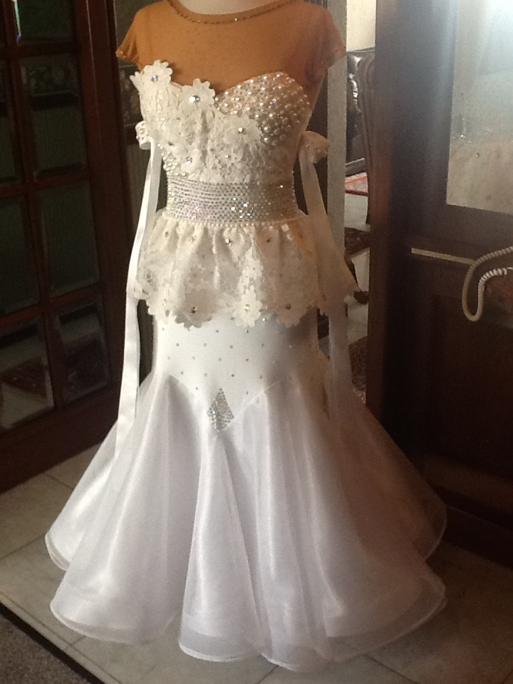 dress white-lace 1